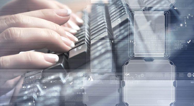Software de Gestão, pessoa usando teclado